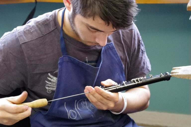 HOW TO BECOME musical instrument craftsman specialised in wind instruments