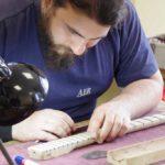 maintenance-avancee-des-guitares-electriques-2