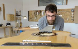 Trilport : Vincent Grateau est devenu luthier par passion pour la guitare