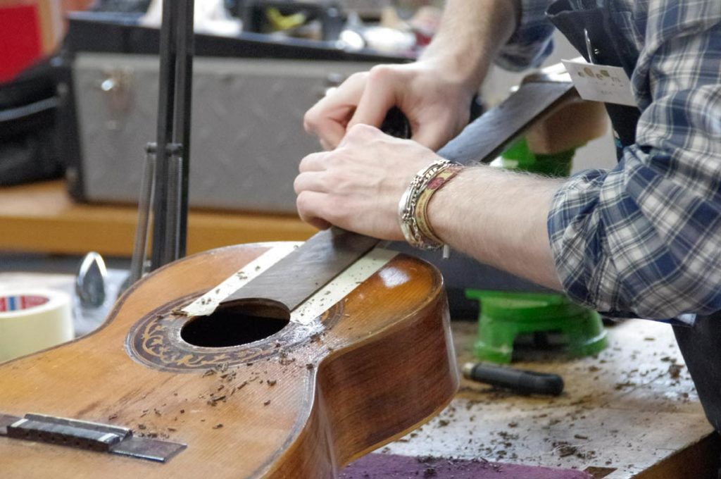 How to become a musical instrument craftsman specialised in guitar