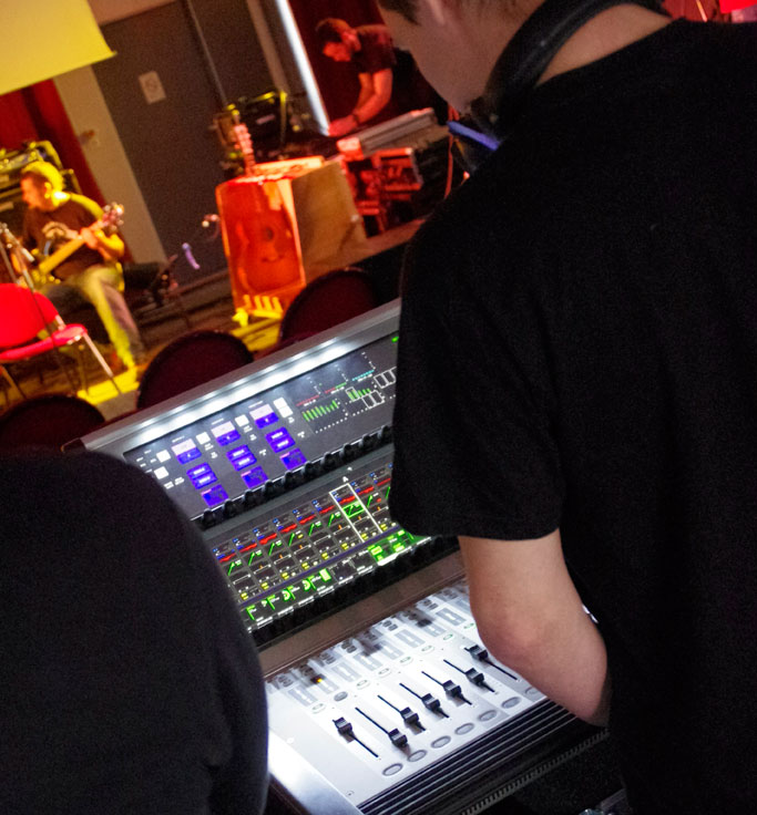 How to become a A LIVE STUDIO SOUND ENGINEEER