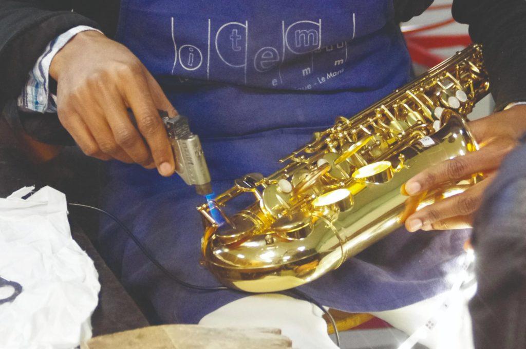 Maintenance courante des trompettes, trombones et cors d'harmonie