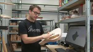 La productivité au rythme de l'excellence pour le luthier Tom Marceau